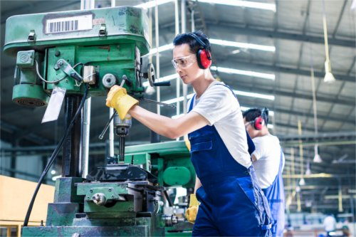 What to Look for in a Chinese Manufacturer
